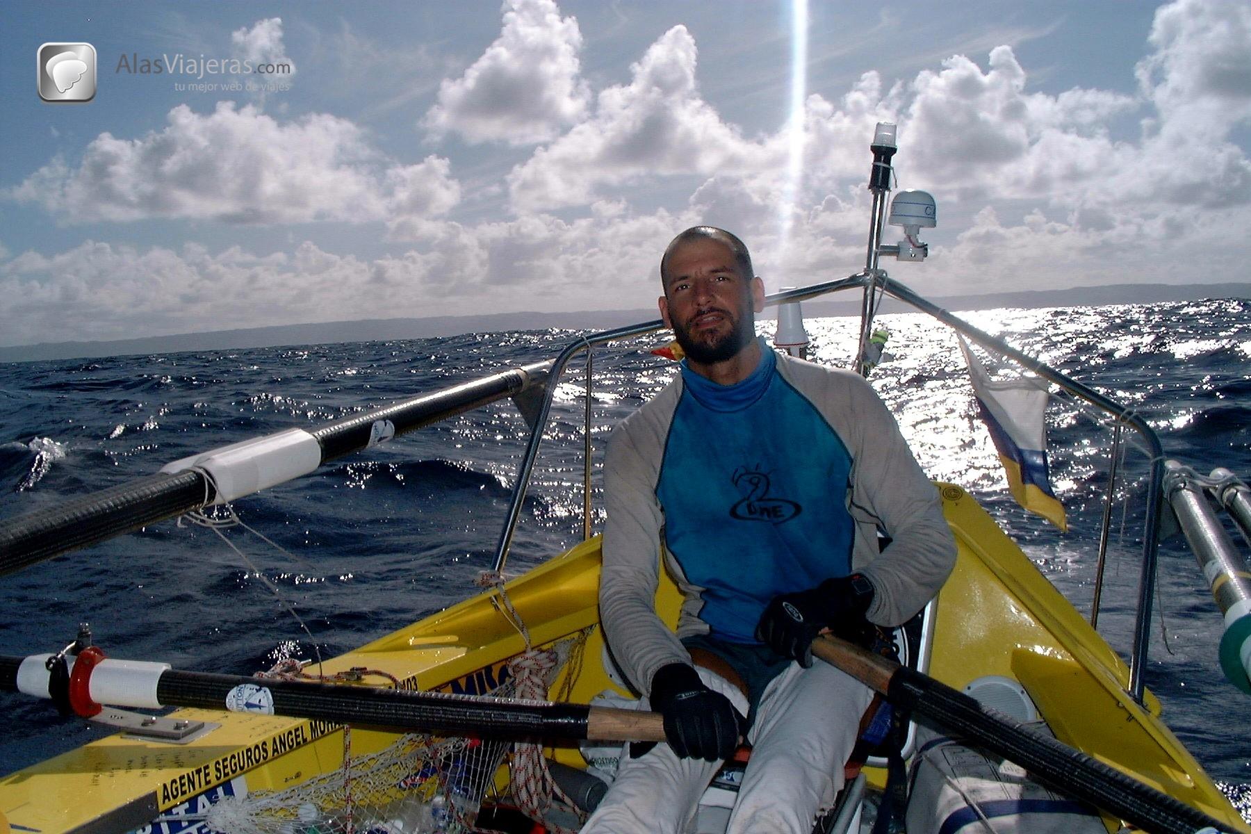Pedro Ripol cruzó en remo el Océano Atlántico durante dos meses en una pequeña barca de 7 metros de eslora